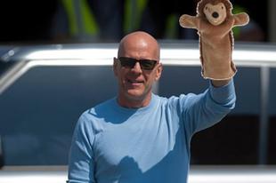 """""""Vissza kell vennünk ősi jussunk"""" - Bruce Willis a csetszobában"""
