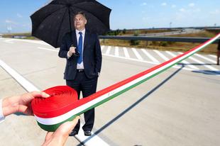Átadta magát Orbán Viktor