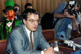 Stratégiai megállapodást köt a kormány Simicska Lajossal