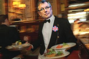 Matolcsy is Londonba megy pincérkedni