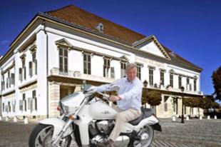 Pál-palota lesz a Sándor-palota