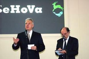 Semjén lefoglalta a magyar internetet