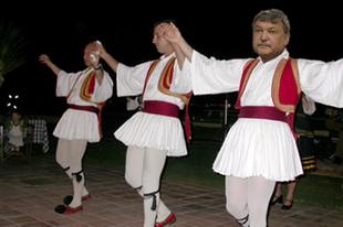 Megmenekültünk! Jön a drachma alapú hitel