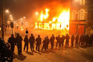 Világszerte felfordulást okozott az iPhone6-kémfotó