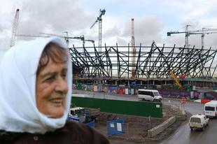 Saját nyugdíjából épített 40 ezres stadiont