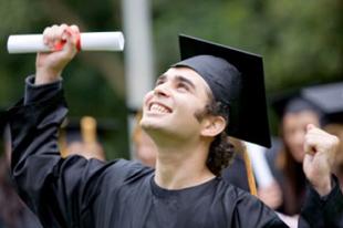 Nemcsak a diplomásokat adóztatnák