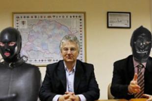 A Jobbik betiltaná a maszturbálást is