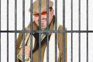Lagzi Lajcsi csempészett trombitával hipnotizálta az őröket