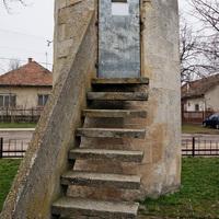 Kitalálós poszt - Hova vezet a lépcső, és mi lehet az ajtó mögött?