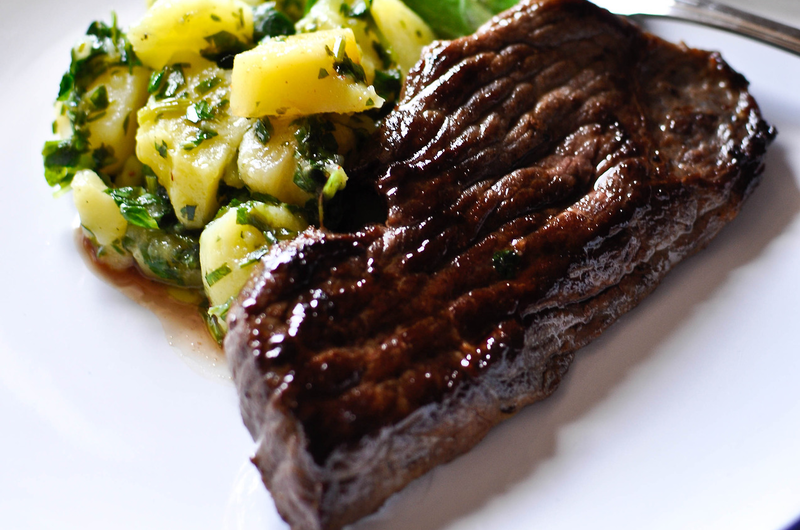 Hónap eleje: Egyszerű vajas steak