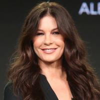 Catherine Zeta-Jones főszereplésével készít sorozatot a Facebook