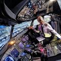 Imádni való pilótalány Svédországból