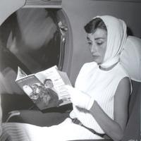 Audrey Hepburn és a repülőgépek