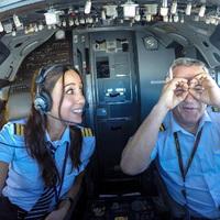 Török pilótanő az Instagram sztárja