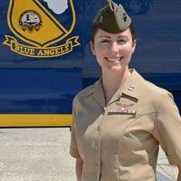 Blue Angels első női pilótája