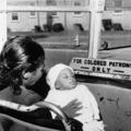 Gyerekek és anyák irritálják a dolgozó utast - Le a buszról az ovisokkal!
