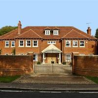 Defoe háza eladó
