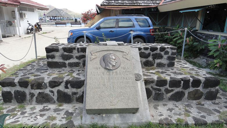 Alain Gerbault síremléke Bora Borán.
