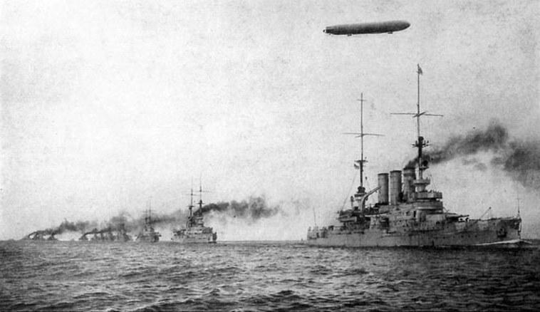 A Kaiserliche Marine egy gyakorlaton, a háború előtt.