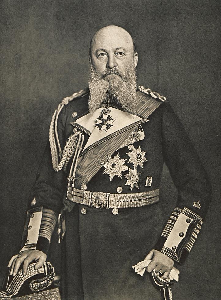 Tirpitz, a szürke eminenciás.