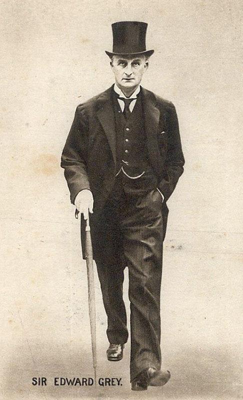 A brit politika egyik fő mozgatója, Edward Grey, külügyminiszter, egyesek szerint az első világháború értelmi szerzője.