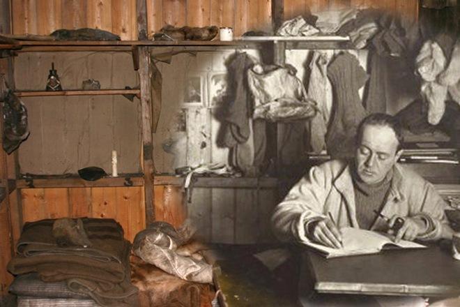 Egy érdekes fotómontázs. Az eredeti, fekete-fehér képen Scott látható íróasztalánál, nem sokkal az utolsó út előtt, 1911 októberében. A színes részek napjainkban készültek a fagy által tökéletes állapotban konzervált barakk belsejének ugyanerről a részéről.