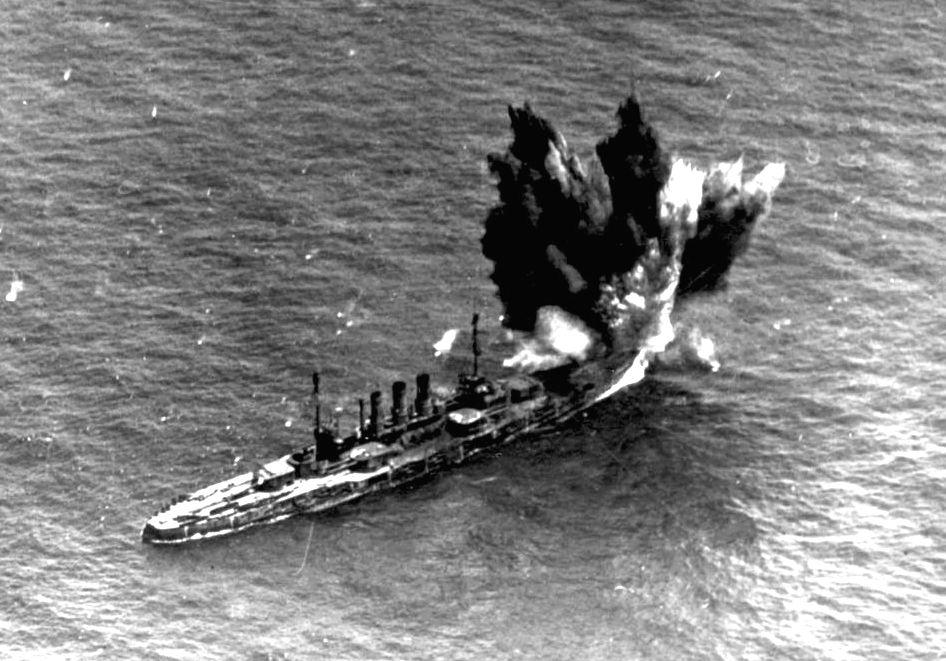 Az Ostfriesland bombázása.
