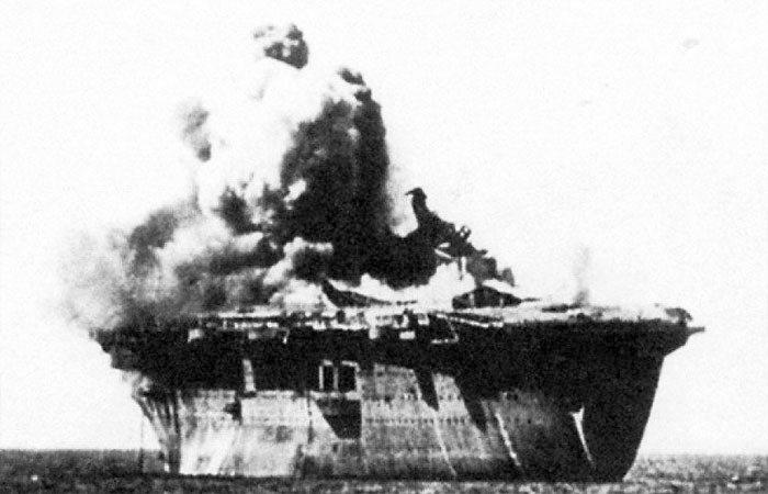 Robbantás a Zeppelin fedélzetén.