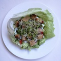 Salátába tekert zöldségek
