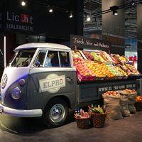 Zöldség-gyümölcs árusító autók