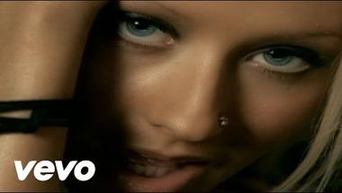 Christina Aguilera - Beautiful     ♪