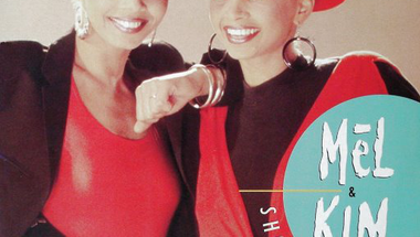 Mel & Kim - Showing Out (Get Fresh at the Weekend)     ♪