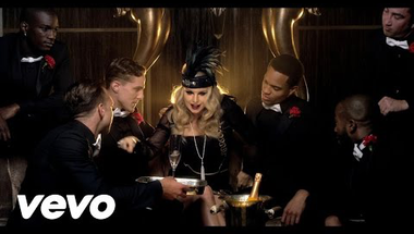 Fergie - A Little Party Never Killed Nobody (All We Got)     ♪
