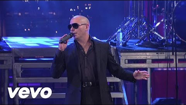 Pitbull - Rain Over Me (Live On Letterman)