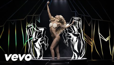 Lady Gaga - Applause     ♪