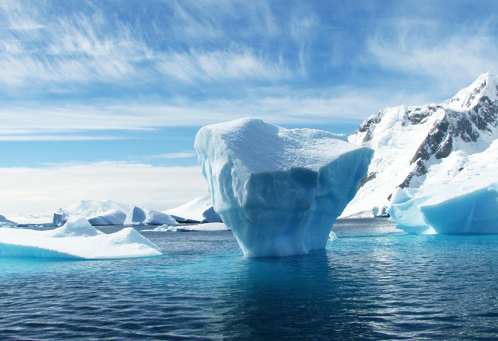 iceberg-404966_1920.jpg