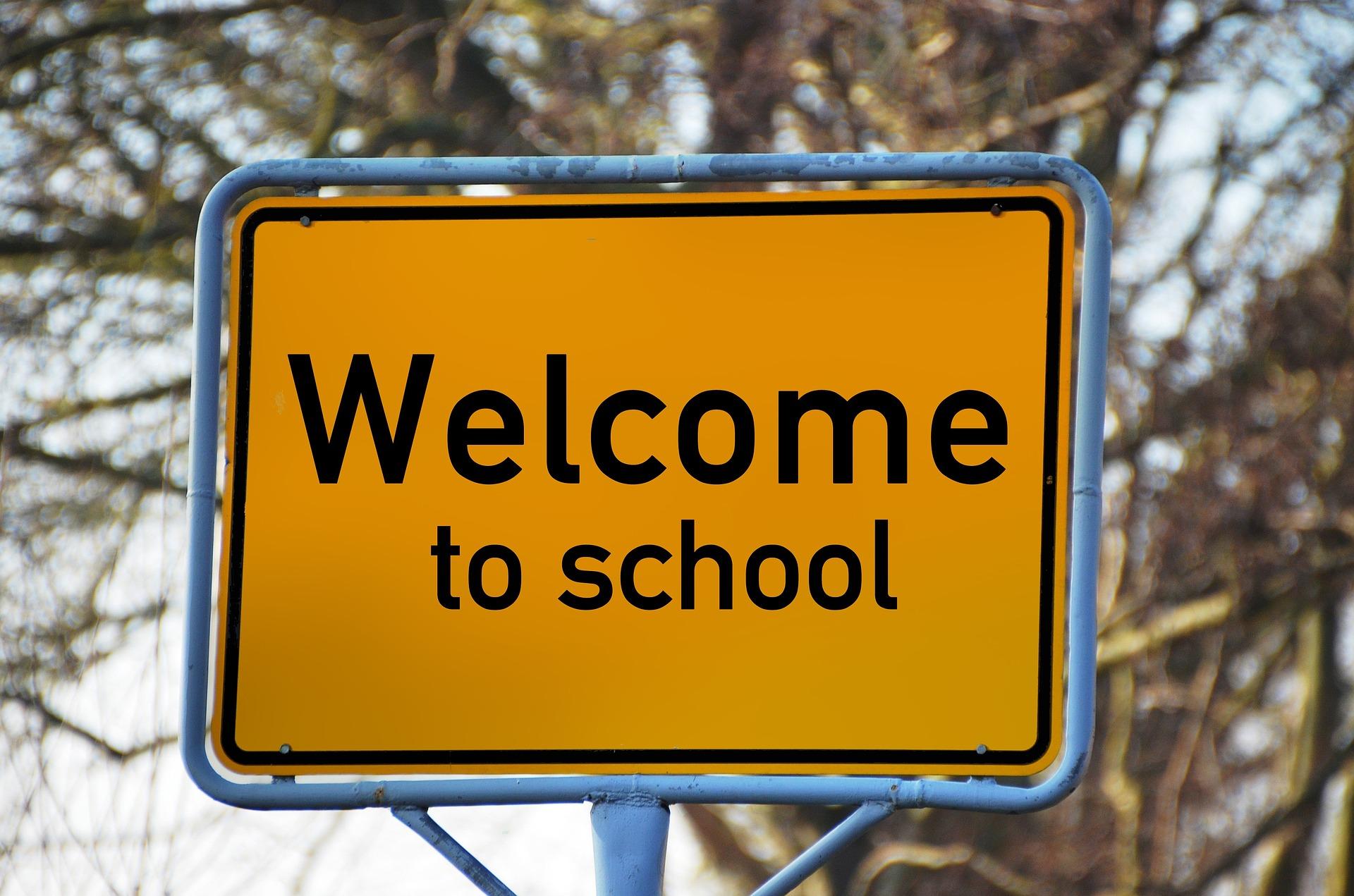 road-sign-799141_1920.jpg