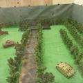 Multiplayer távirányítású tankokkal, terepasztalon