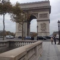 Egyedül voltam Párizsban
