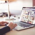 Hogyan akadj le a közösségi médiáról (még akkor is, ha együtt kell dolgoznod vele)?