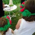 Egyszerű koszorúslány ruha kislányoknak– varrás nélkül, tüllkoszorúval