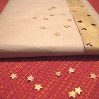 Aranyfestékes-csillagos csomagolás