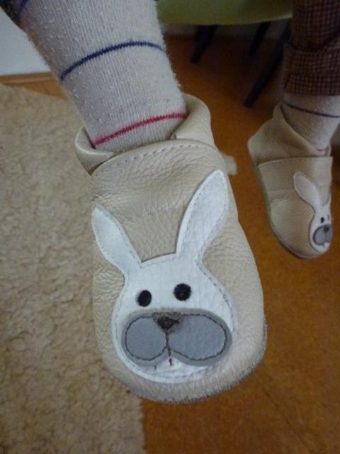 nyuszkós cipő