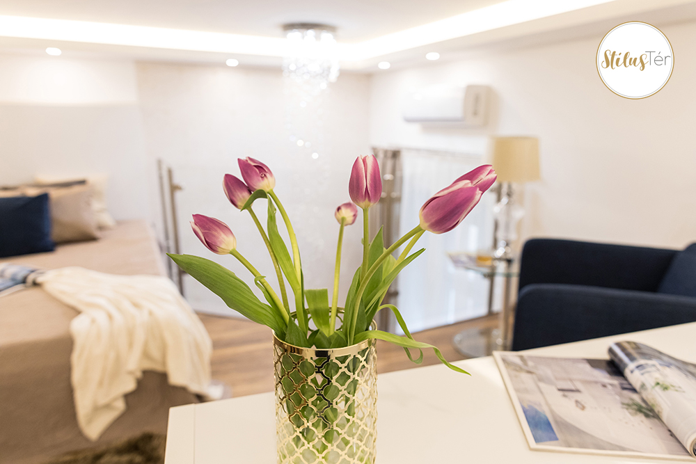 Galériás hálószoba - home staging - ingatlan styling