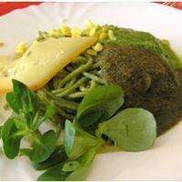 Zöld tészta zöld mártásokkal: pesztóval, és rucolamártással
