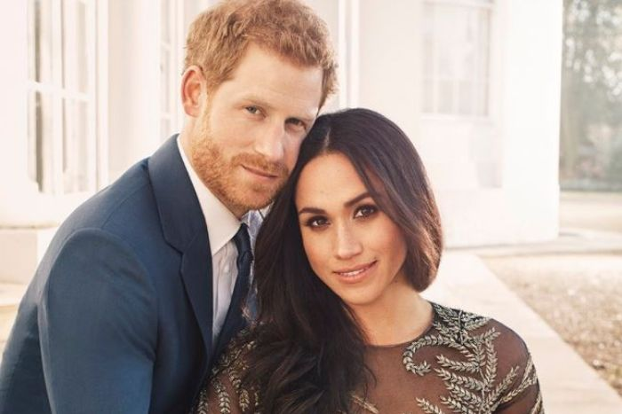Romantikus eljegyzési fotókon Harry herceg és Meghan Markle