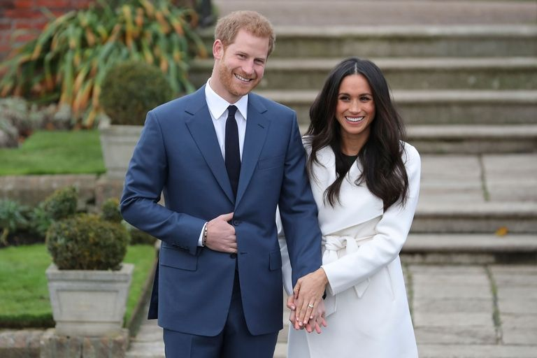 Káprázatos eljegyzési gyűrűt csináltatott Harry herceg!