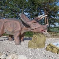 Igazi Jurassic Park a Balatonnál: Dinópark Rezi