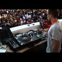 Robert Dietz & Reboot (the drunk one) back 2 back (Ushuaia Ibiza Opening 2011)