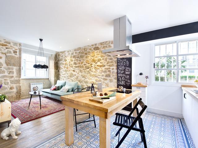 Eklektikus spanyol lakás ombre falakkal